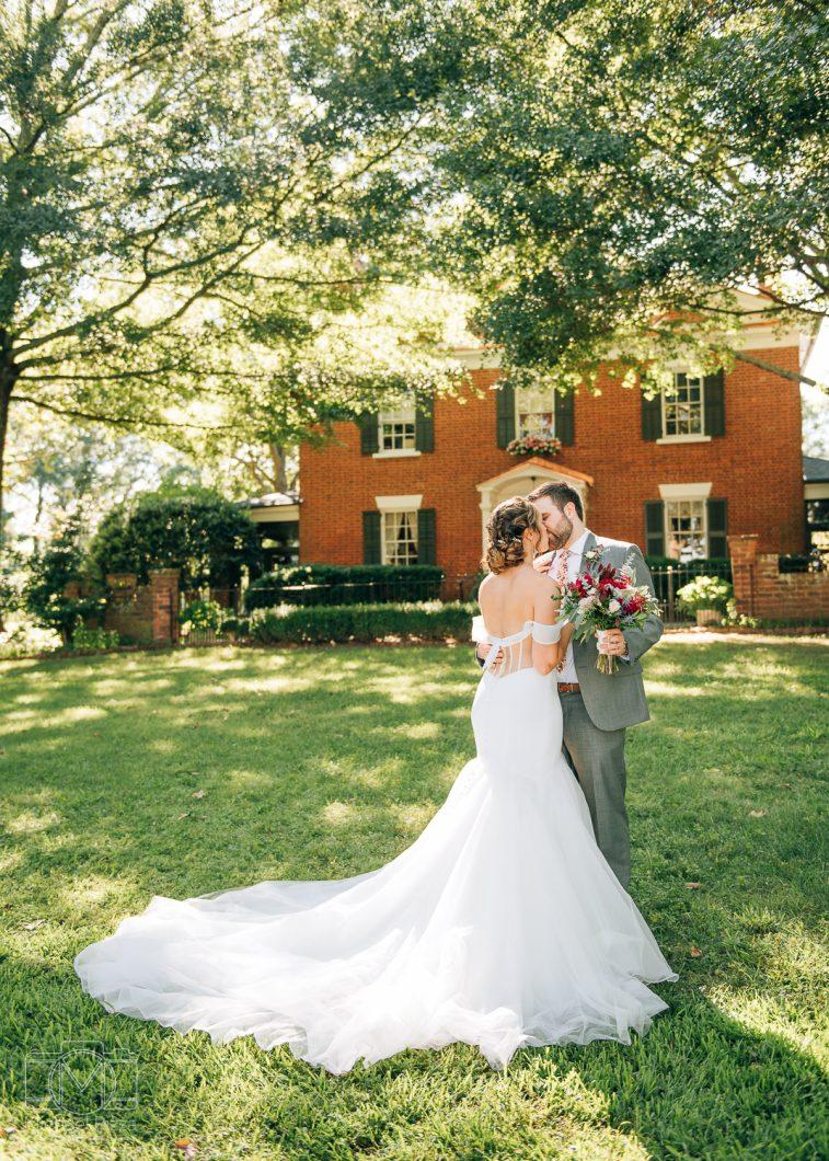 Chattanooga wedding couple portraits photography